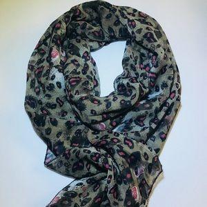 Accessories - Women's neck chiffon scarves animal print.